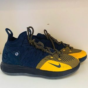 Basketball Shoes Nike KD 11 GS ( size 5.5Y)